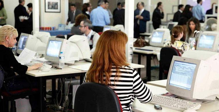 Τα 3 σενάρια για τις αλλαγές στους φόρους και στις εισφορές των επαγγελματιών