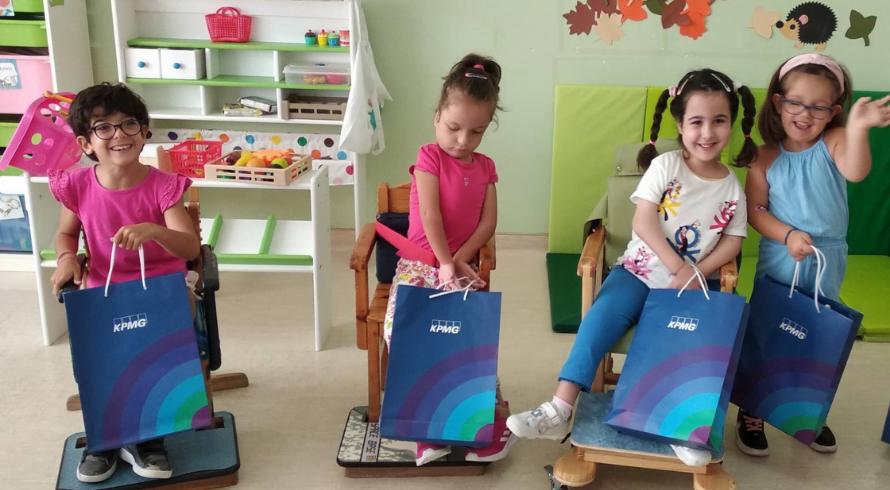 KPMG: Back to School με νέα σχολικά είδη για τα γενναία παιδιά της ΕΛΕΠΑΠ!