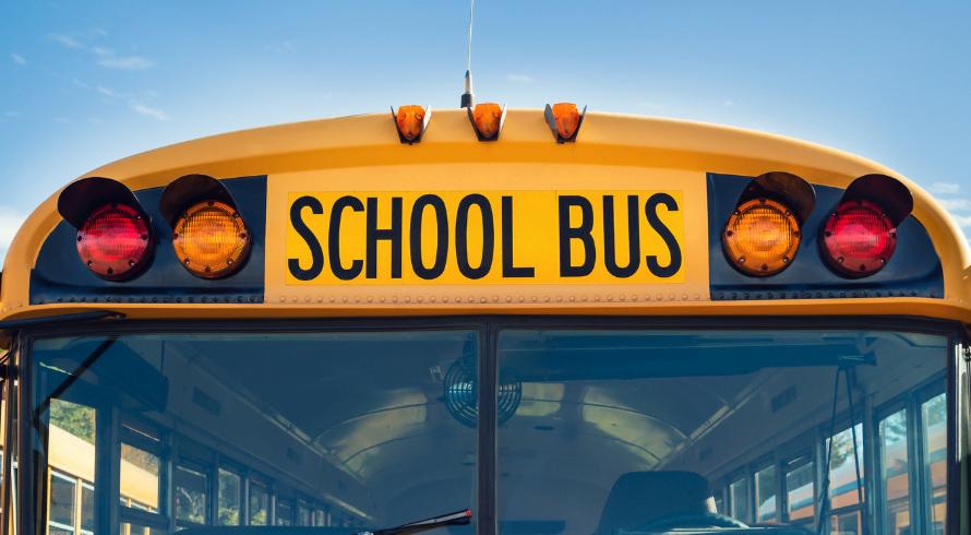 Ανασφάλιστα κυκλοφορούν ακόμα και σχολικά λεωφορεία